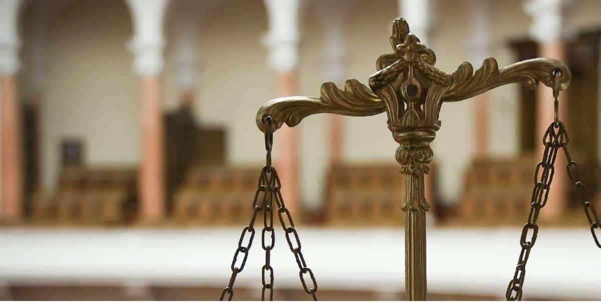 Помощь уголовного адвоката