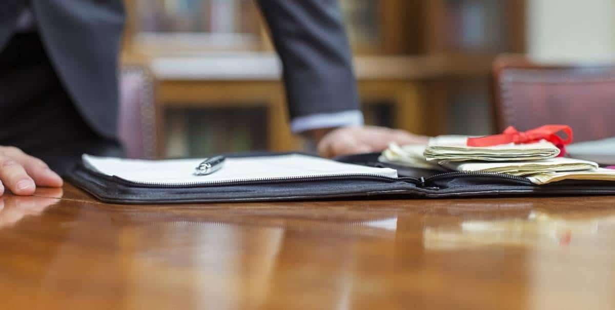 Адвокат информирует что заниматься бизнесом